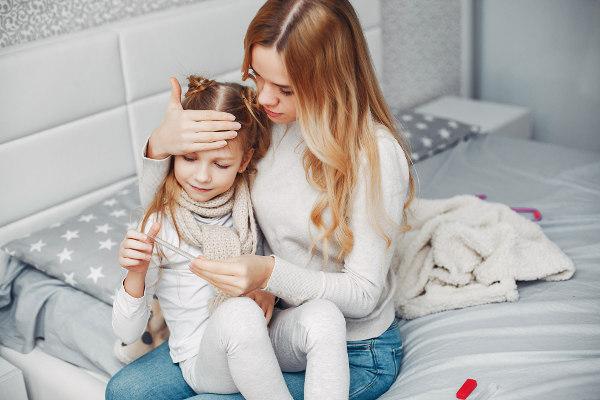 badanie gorączki u dziecka